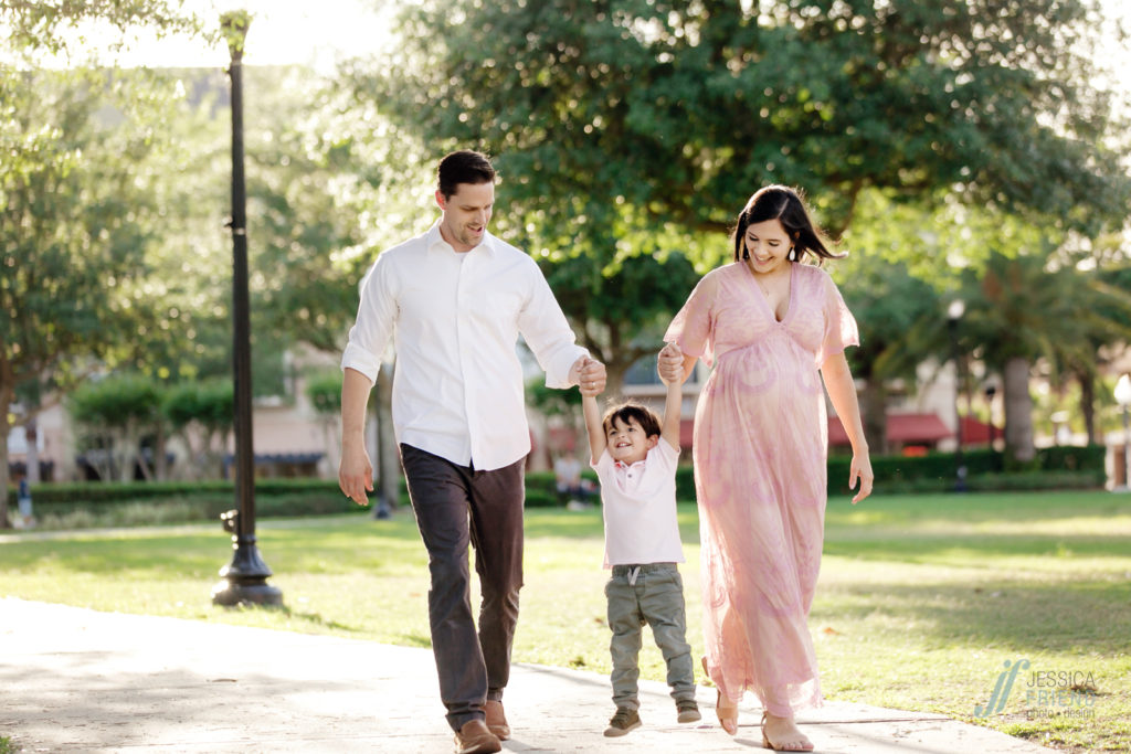 family maternity session in avalon park orlando